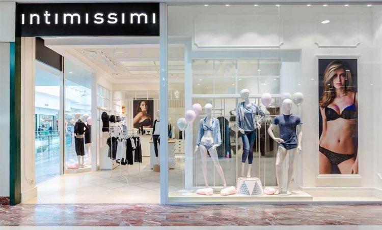 c17f36f5c1c5 La rete di negozi Intimissimi è una delle più capillari a livello nazionale  e attualmente conta oltre 1.100 negozi aperti in più di 22 Paesi nel mondo.  Un ...